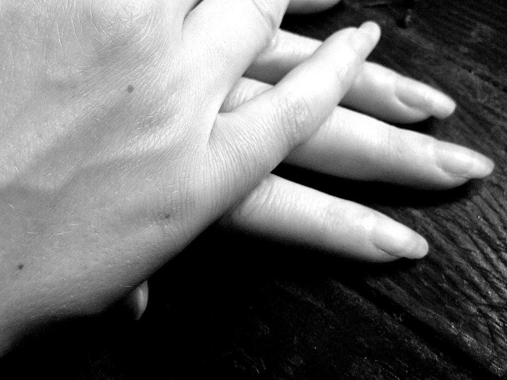 hands-1315634